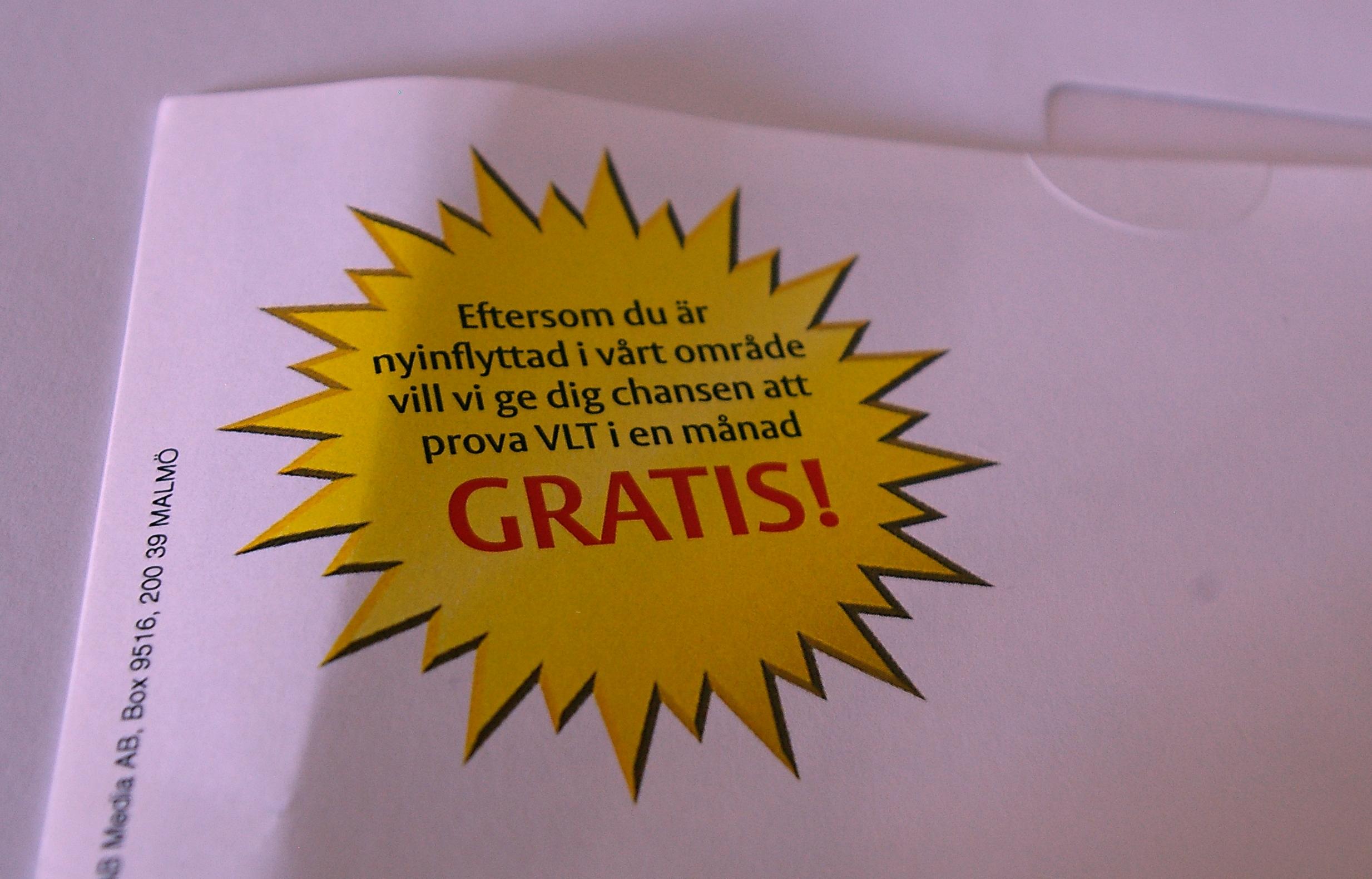 Läser den på jobbet. Foto: Erik Hjärtberg